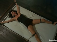 Horny Nikki Daniels gets a little tied up in her work