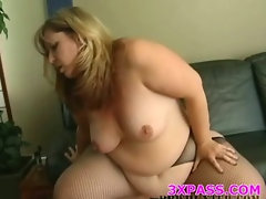 Ebony fattie is banged