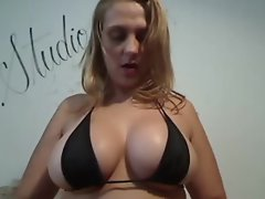 Busty milf showing big titts on webcam