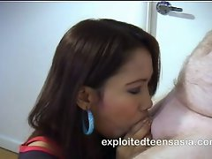 Melanie Filipino Amateur Teen 18+ Deep Throat Protagonist
