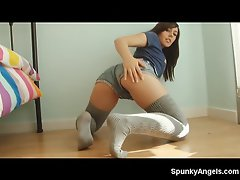 In this video, the girl next door Kacie James is showing off her...