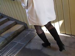 Lady in Seamed Stockings Upskirt