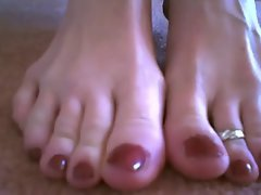 Unbelievable toe and foot show