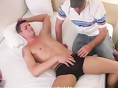 Muscle jock gets serviced by Daddy